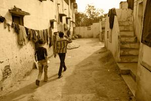 2012-summer-mag-uconn-GujaratIndia